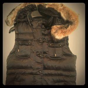 Banana Republic Sateen Puffer Vest -Removable Hood